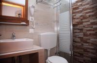 Δίκλινο δωμάτιο στο ξενοδοχείο Cretan Villa στην Ιεράπετρα.